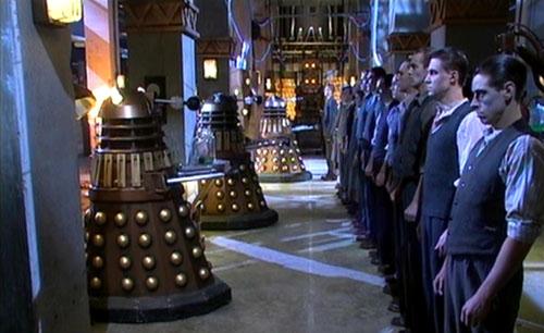 Les chroniques du Docteur- Ze return back (Doctor Who inside) Daleks-humanhybrid